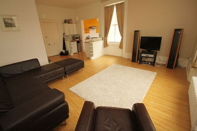 Thumbnail Flat to rent in Exeter Park Road, Bournemouth