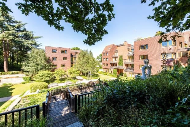 Flat for sale in Maple Court, The Woods, The Bishops Avenue, London