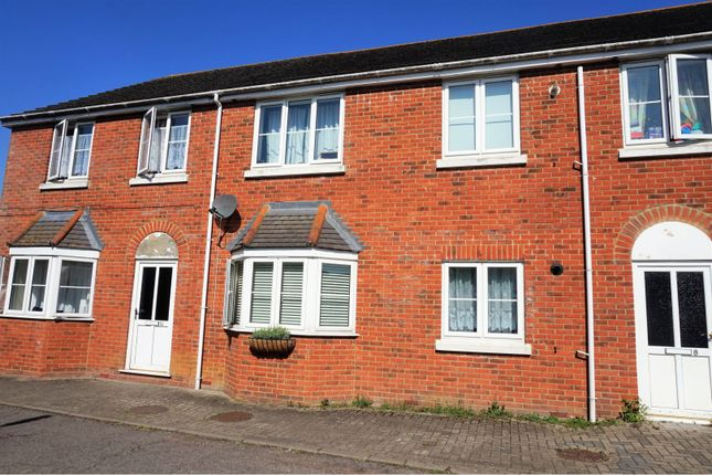 Thumbnail Flat for sale in Lawrence Court, Ashford