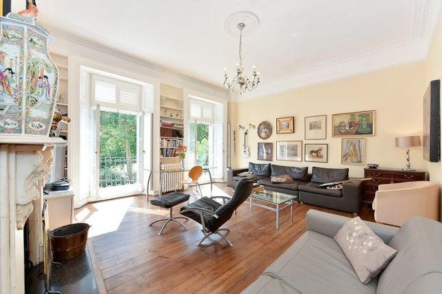 Thumbnail Flat to rent in Royal Crescent, Holland Park