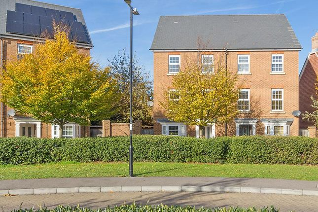 Thumbnail Town house to rent in Crocus Drive, Sittingbourne