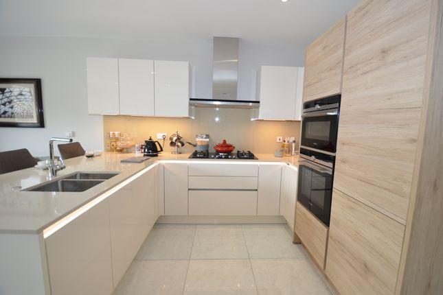 Thumbnail Semi-detached house to rent in Totteridge & Whetstone, London