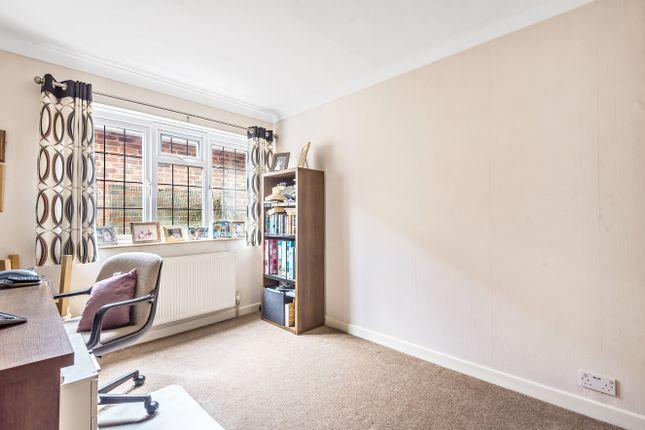 Bedroom of St David's Road, Clanfield PO8