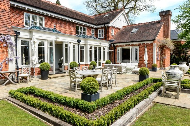Thumbnail Property to rent in Nuns Walk, Wentworth, Virginia Water