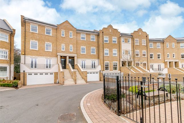 Thumbnail End terrace house to rent in Beechcroft Close, Sunninghill, Berkshire