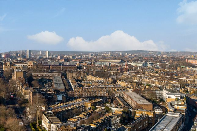 Thumbnail Flat for sale in Bollinder Place, London