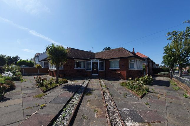 2 bed bungalow to rent in Newton Drive East, Blackpool, Lancashire FY3