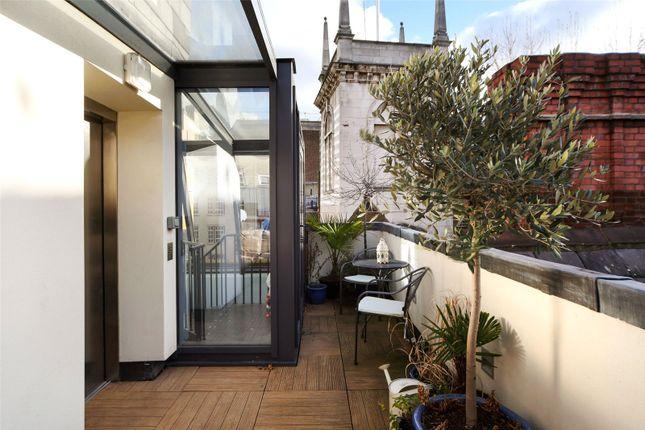 Picture No. 04 of Ironmonger Lane, London EC2V