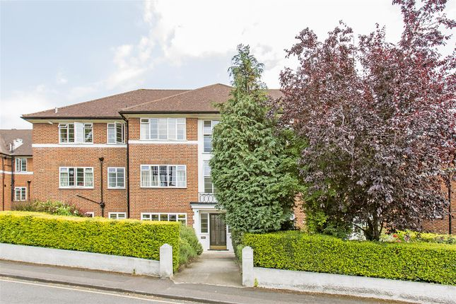 Thumbnail Flat for sale in Arundel Court, Raymond Road, Wimbledon