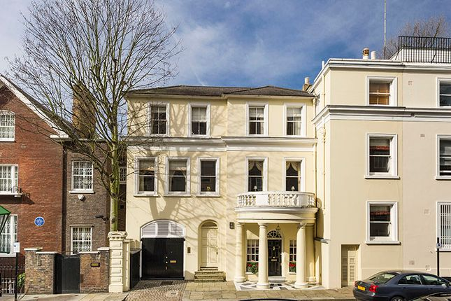 Thumbnail Town house for sale in Hyde Park Gate, Kensington London