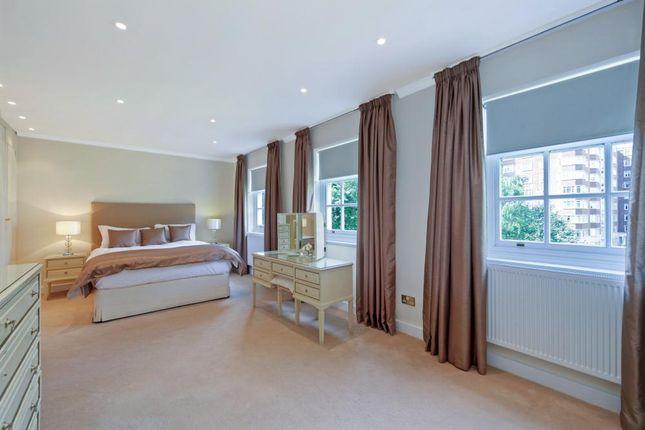 Bedroom of Moncorvo Close, London SW7