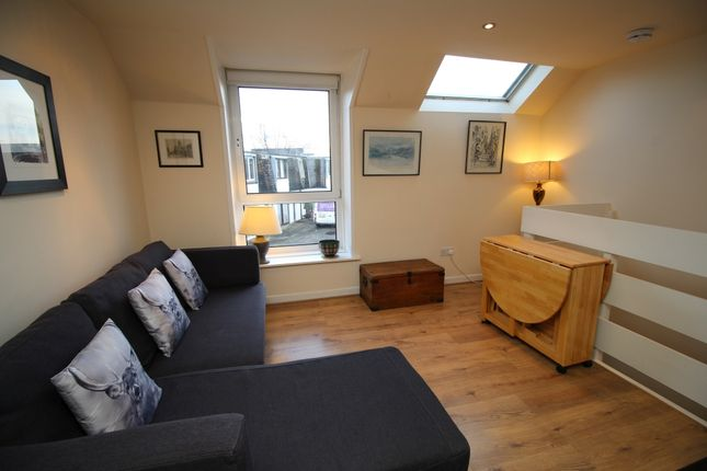 Thumbnail Flat to rent in Raeburn Mews, Stockbridge, Edinburgh