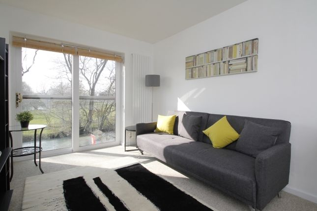 2 bed terraced house to rent in Sadler Walk, Oxford OX1