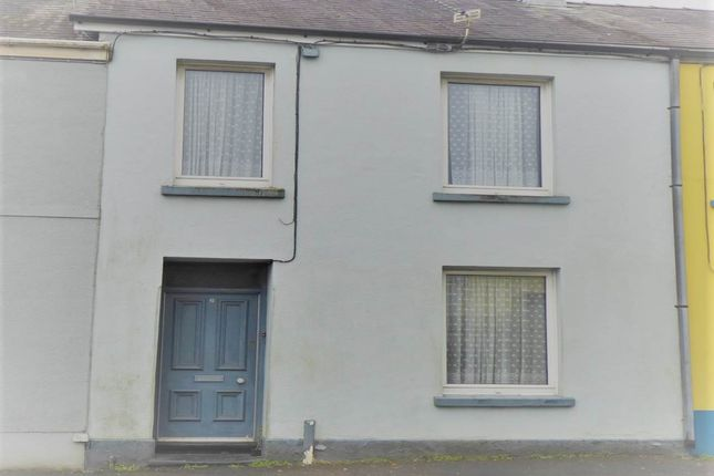 3 bed terraced house to rent in Fountain Hall Terrace, Carmarthen SA31