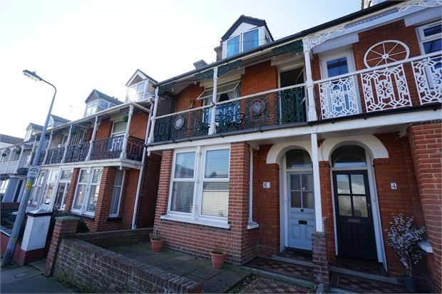 Thumbnail Town house to rent in Beach Road, Dovercourt, Harwich, Essex.