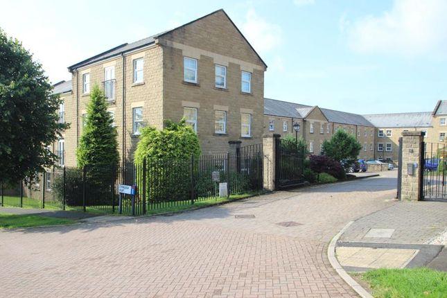 Thumbnail Flat to rent in Stoneleigh Court, Mootown, Leeds