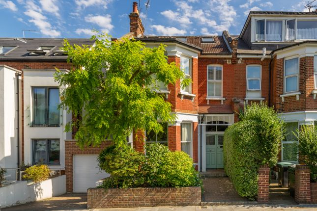 Thumbnail Flat for sale in Alexandra Park Road, London