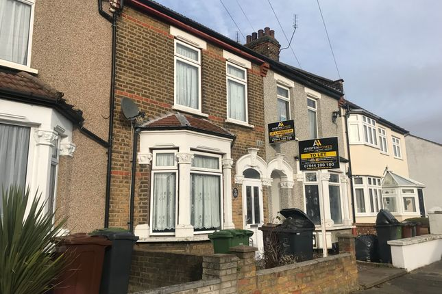 Thumbnail Terraced house to rent in Whalebone Grove, Romford