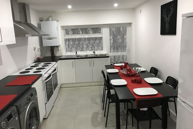Thumbnail Room to rent in Aldrin Way, Coventry