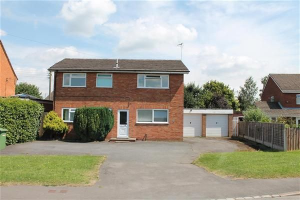 Thumbnail Detached house for sale in Bromsgrove Road, Studley, Studley