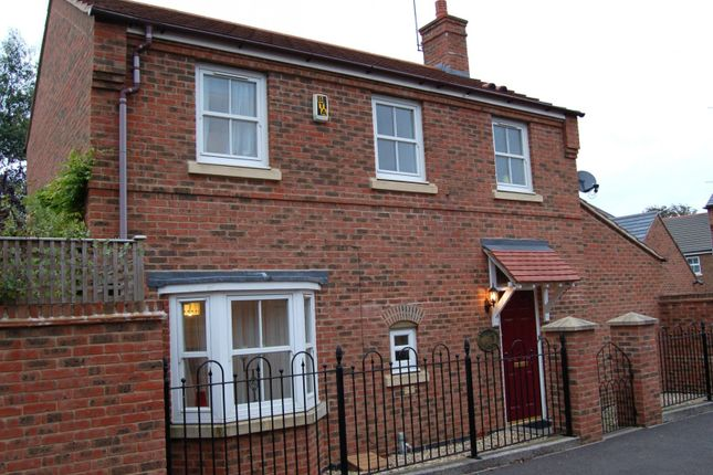 Thumbnail Property to rent in Cooks Road, Aylesbury