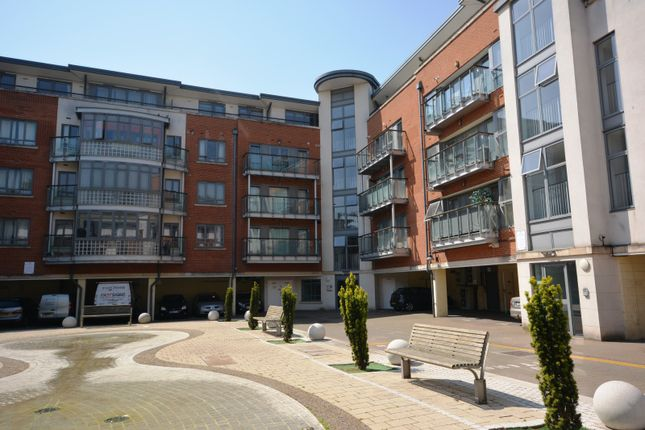 2 bed flat to rent in Victoria Court, Chelmsford CM1