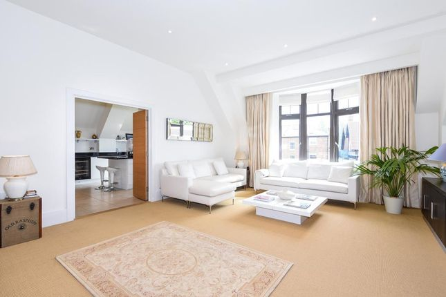 Thumbnail Flat for sale in Central Henley Position, Close To River Thames