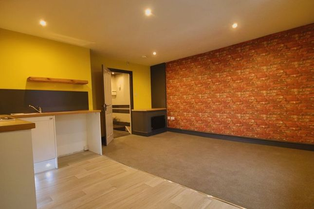Thumbnail Flat to rent in Wigan Road, Deane, Bolton, Lancashire.