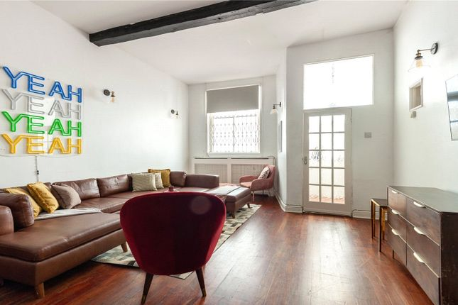 Thumbnail Mews house to rent in Gaspar Close, Earls Court, London