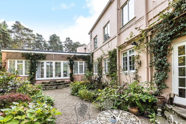 Thumbnail Cottage to rent in London Road, Sunningdale, Ascot