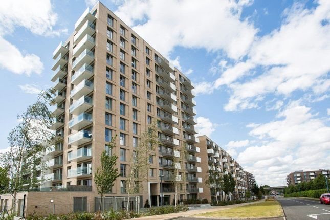 Thumbnail Flat to rent in Waterside Park, Waterside Heights, Docklands