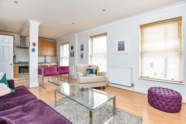 Homes for sale in ramsden road london sw12 buy property in thumbnail flat for sale in ravenswood road balham malvernweather Images