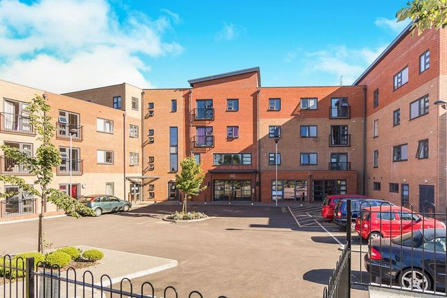 Thumbnail Flat for sale in Truro Road, Gravesend