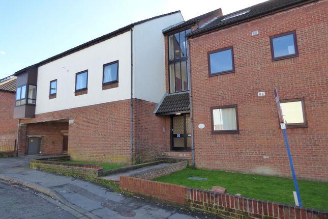 Thumbnail Flat to rent in Harcourt Road, Southampton