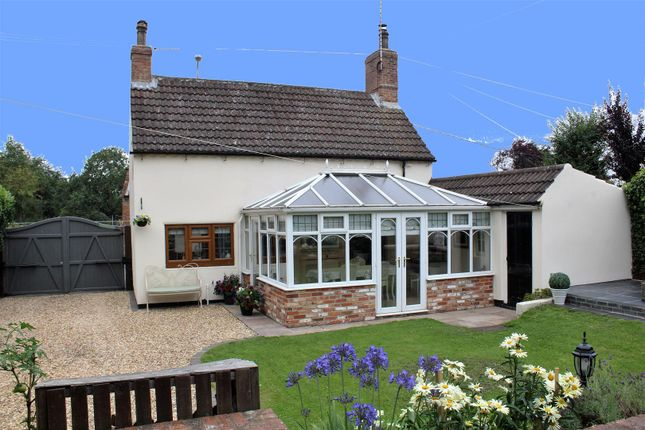 Thumbnail Cottage for sale in Lincoln Road, Tuxford, Newark