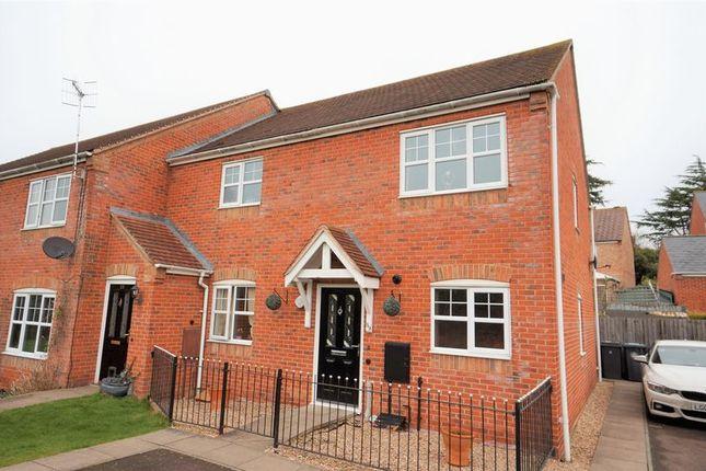 Thumbnail Flat for sale in St. Peters Way, Bishopton, Stratford-Upon-Avon