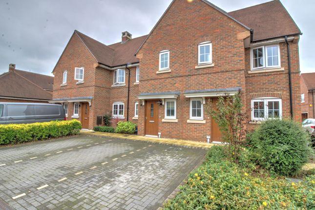 Thumbnail End terrace house for sale in Kilnwood Close, Faygate, Horsham