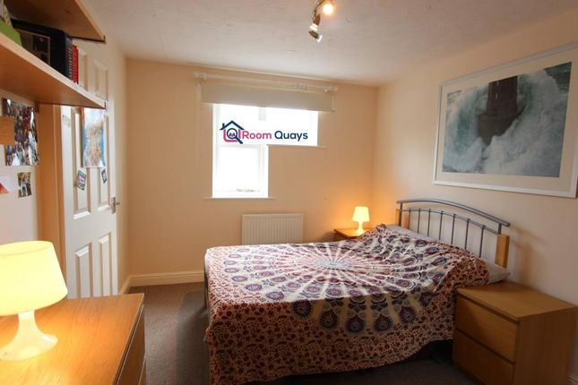 Shared accommodation to rent in Plough Way, London