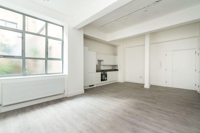 Thumbnail Flat to rent in 23A Benwell Road, London