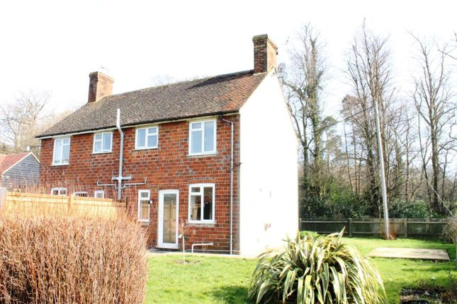 Thumbnail Cottage to rent in Pratts Cottages, Stane Street, Billingshurst