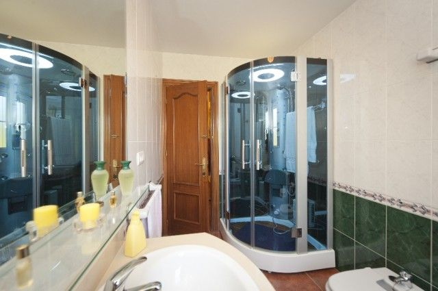 Bathroom of Spain, Málaga, Benalmádena, Benalmádena Costa