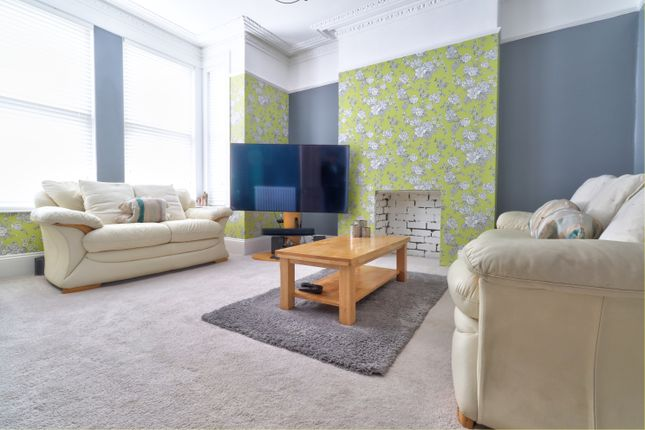 Lounge of Fairfield Avenue, Plymouth PL2