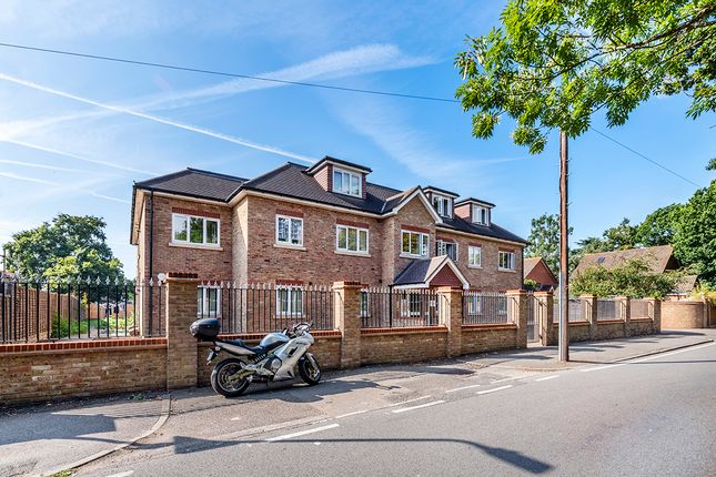 Thumbnail Flat to rent in 360 Cranford Lane, Hayes