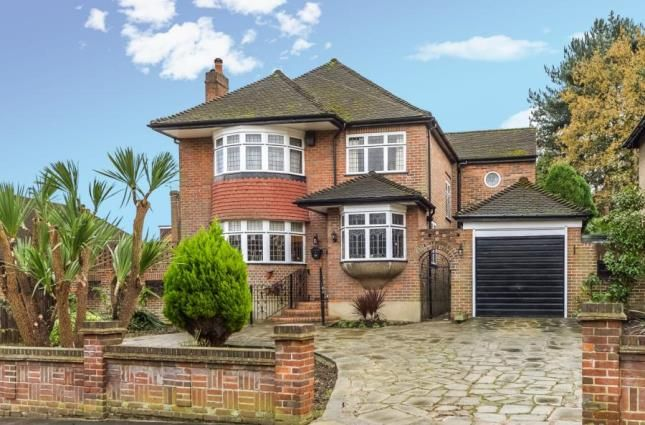 4 bed detached house for sale in Friern Mount Drive, Whetstone