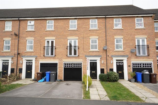 Thumbnail Town house to rent in Ox Close Parkway, Halfway, Sheffield