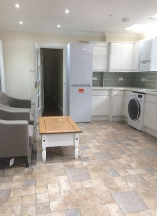 Thumbnail Maisonette to rent in Regina Road, Old Southall