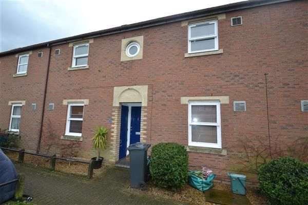 2 bed terraced house for sale in Routh Court, Feltham