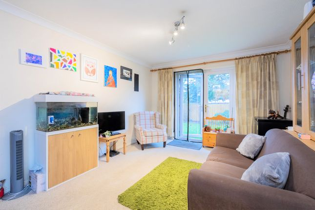 2 bed flat for sale in Clarence Road, Windsor SL4