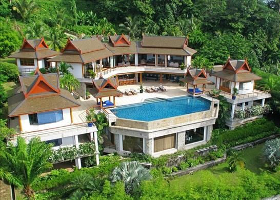 Thumbnail Property for sale in Three-Level Villa On The Top Of Hillside