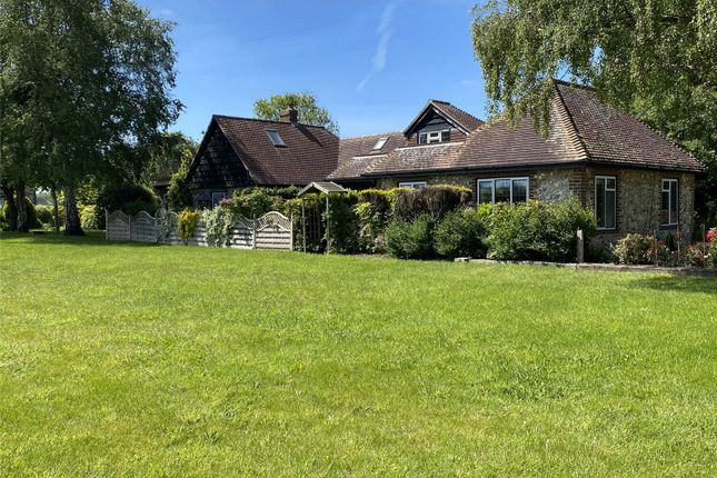 Thumbnail Cottage for sale in Manor Lane, South Mundham, West Sussex